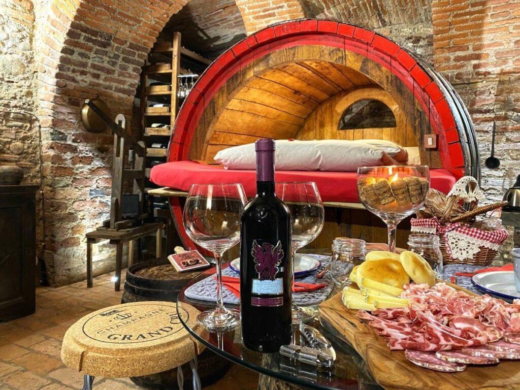alloggi particolari: botte di vino al silter in Lombardia