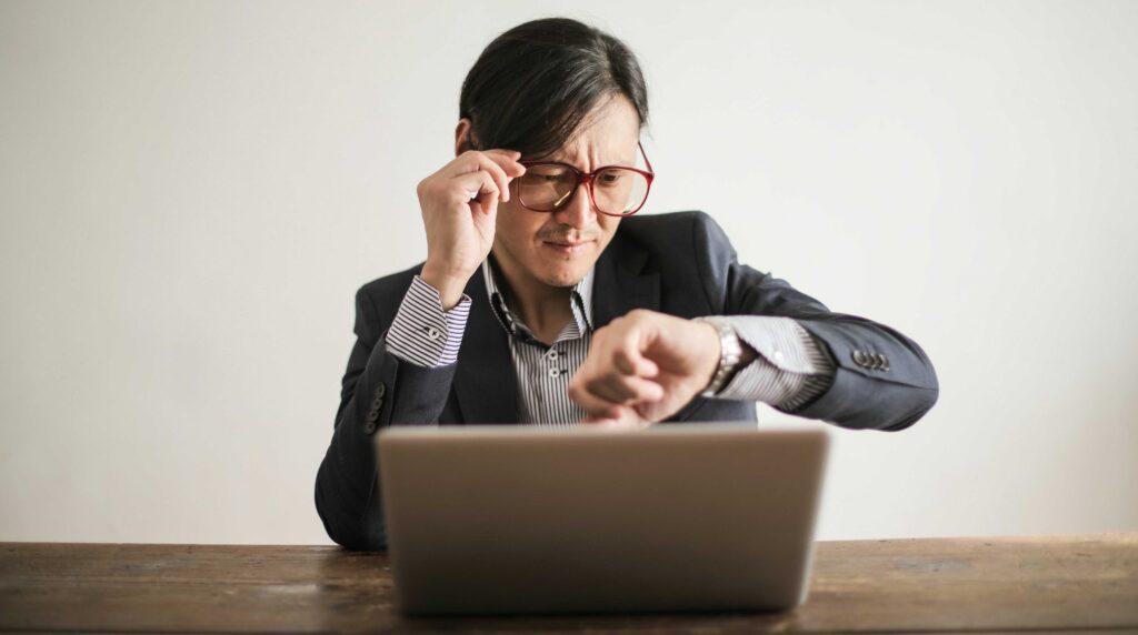Essere più produttivi evitando di controllare costantemente le email