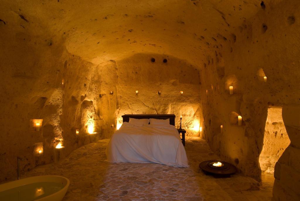 alloggi particolari: grotte della Cività, Sextantio, Basilicata